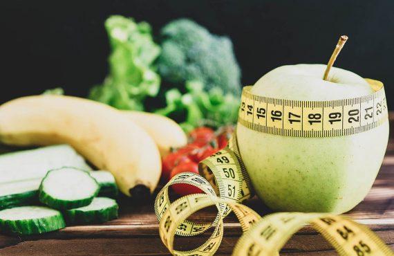 4 comportamentos comuns que fazem engordar