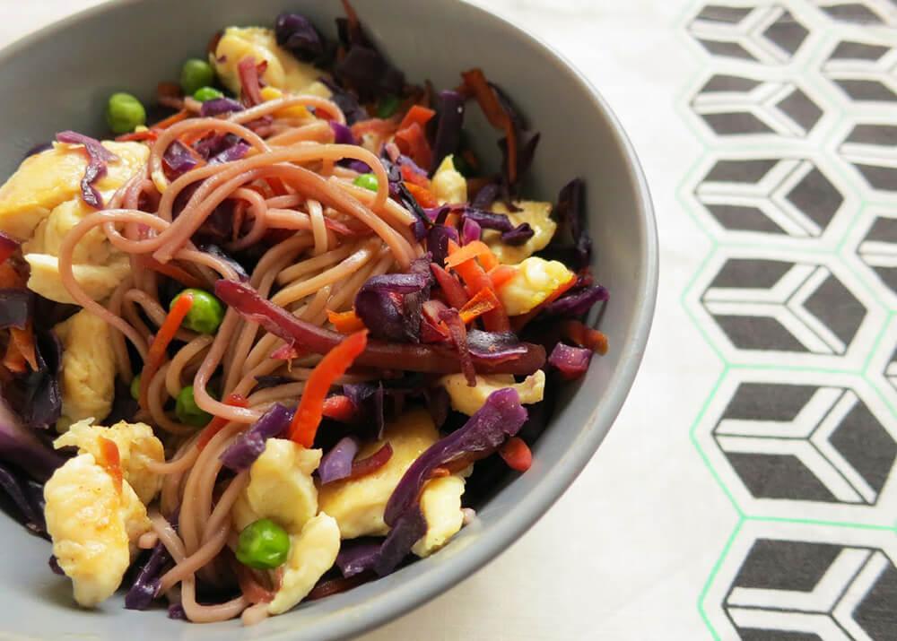 salada asiatica - Saladas frescas e saudáveis para o verão