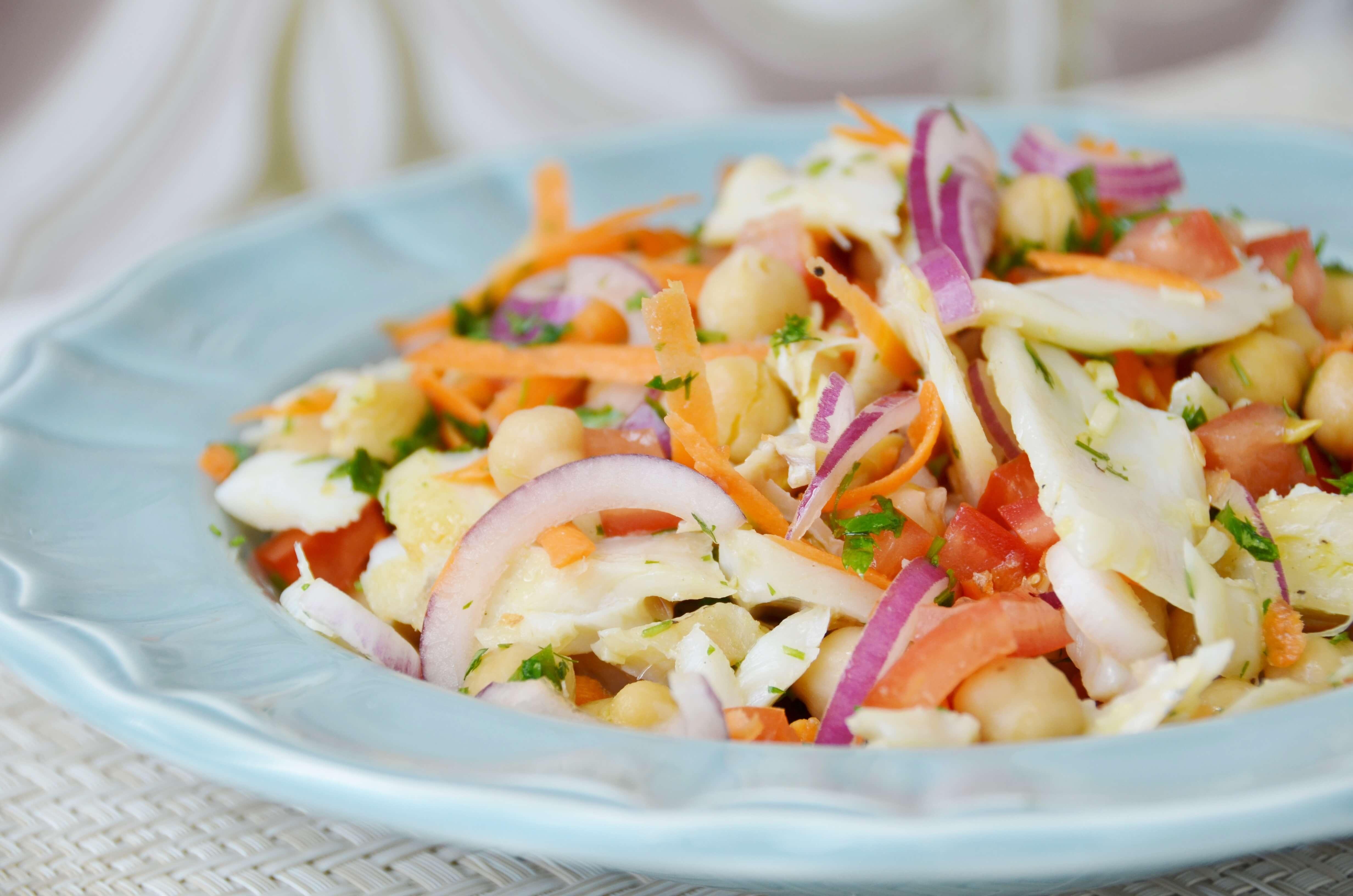 salada bacalhau grao - Saladas frescas e saudáveis para o verão