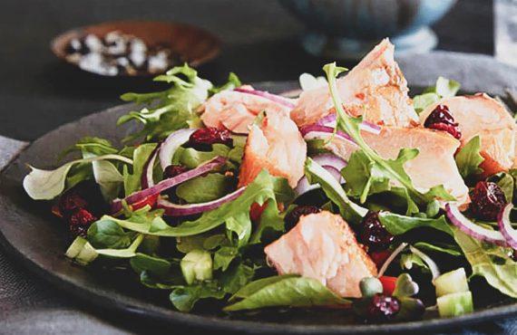 Saladas frescas e saudáveis para o verão