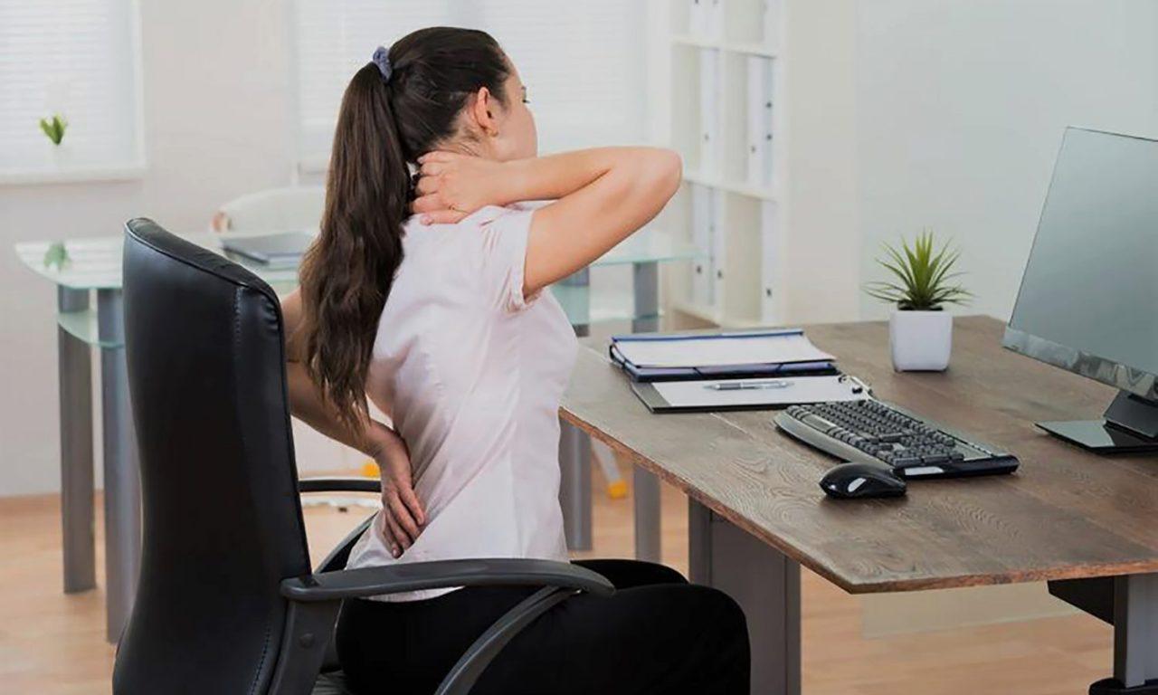 dores nas costas no trabalho como aliviar 1280x768 - Dores nas costas no trabalho: como aliviar?