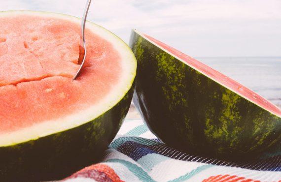 Dicas para cuidar da alimentação nas férias de verão