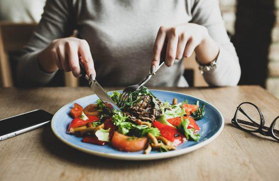 Mindful Eating: práticas para comer com consciência