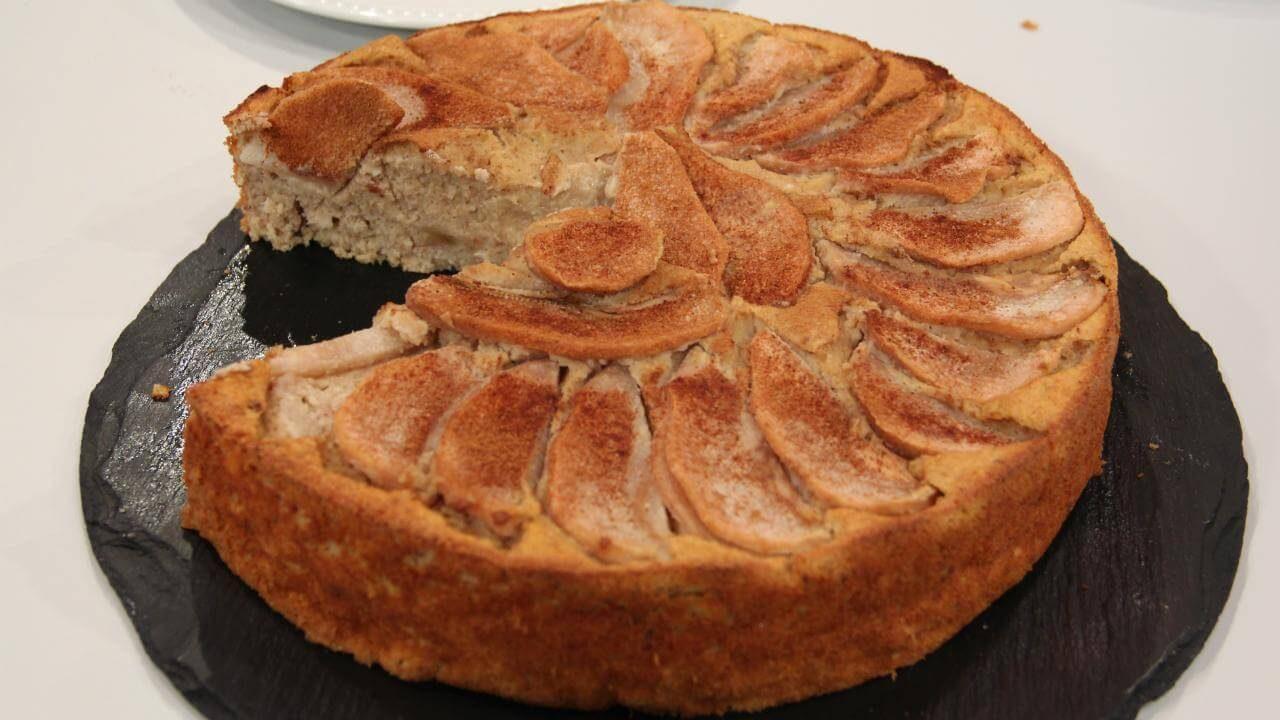 bolo pera aveia canela2 1 1280x720 - 3 receitas saudáveis com aveia
